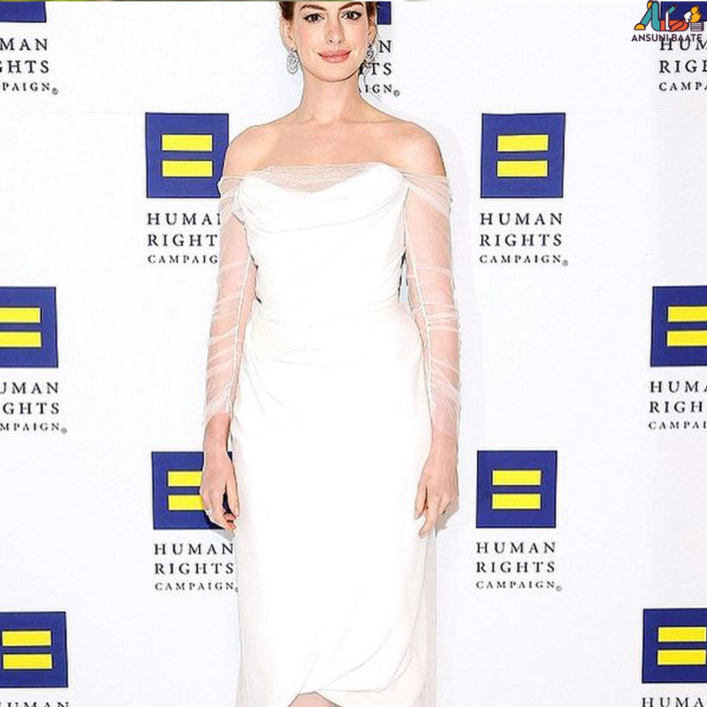 Anne Hathaway sexy images