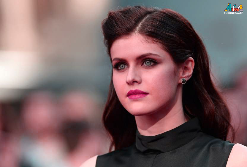 Alexandra Daddario Images, Photos & Hot Pics